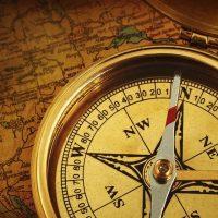 物・方位磁石と地図sagasimono