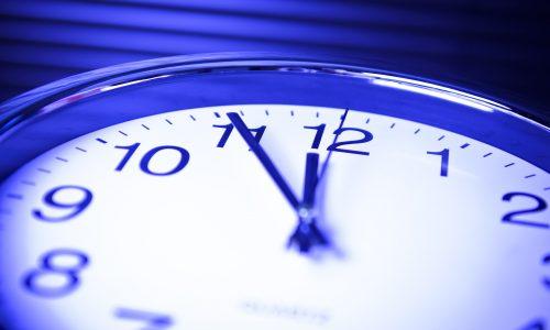 数・物・時計Uhr 5 vor 12