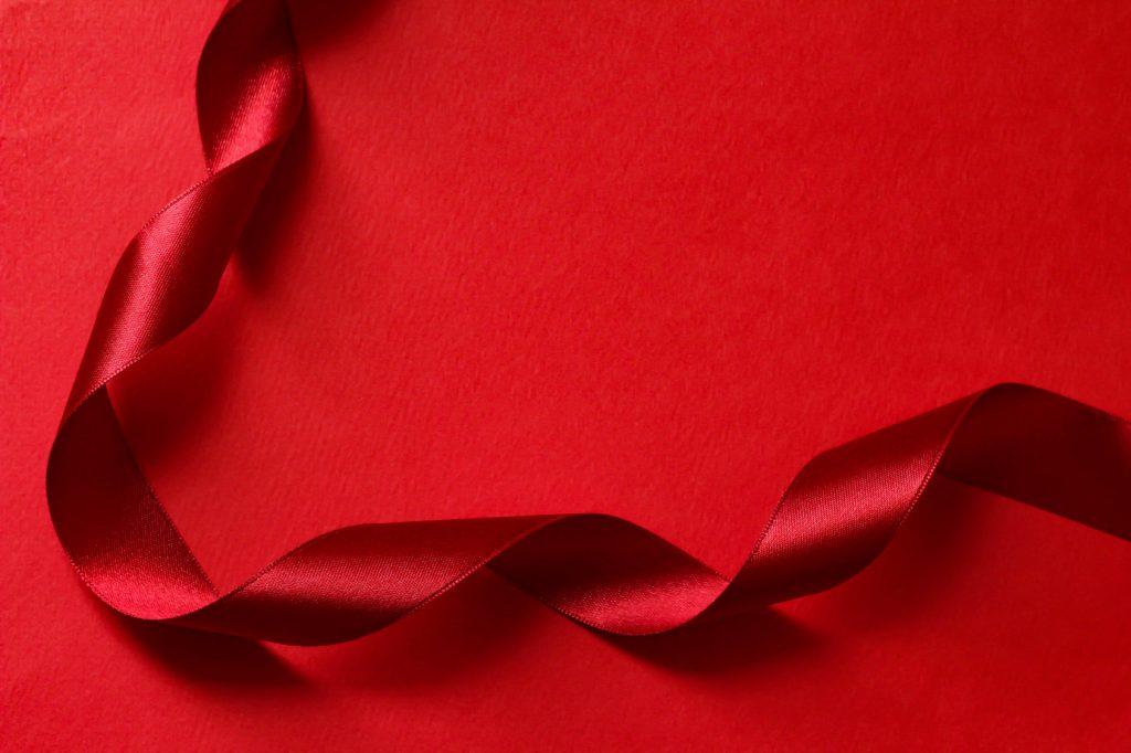 赤いリボン