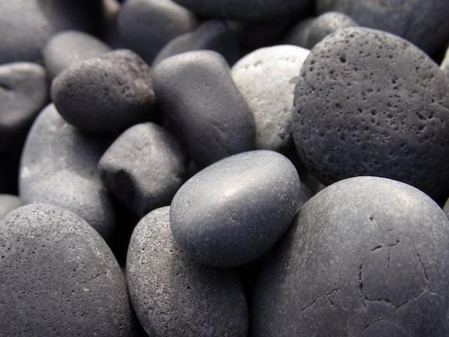 アイスランド・ブラックサンドビーチの砂利