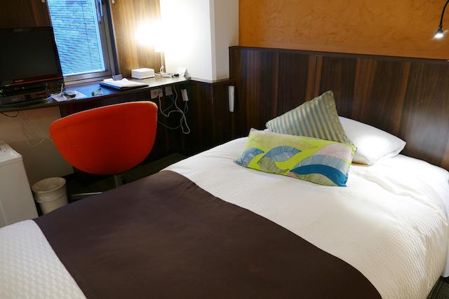 部屋・ベッドbed-position-cover_003