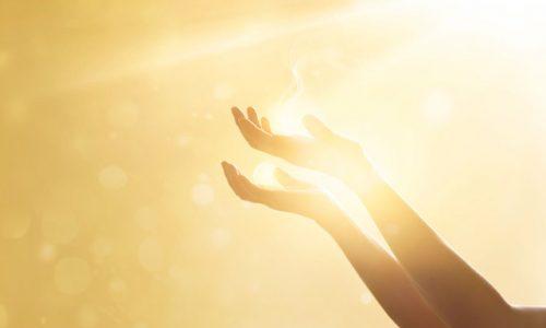 術・神様 仏様、光と手