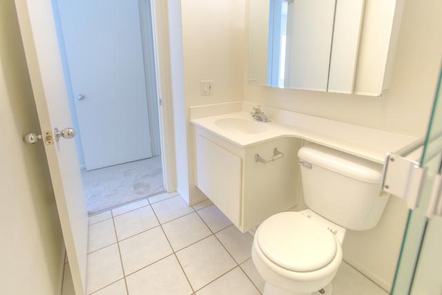 トイレに鏡