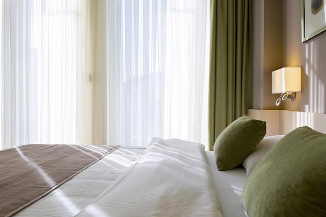 緑の寝室カーテン