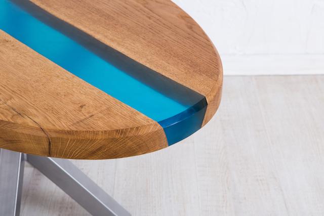 角が丸いテーブル