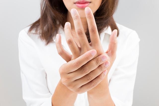 左手の痛み