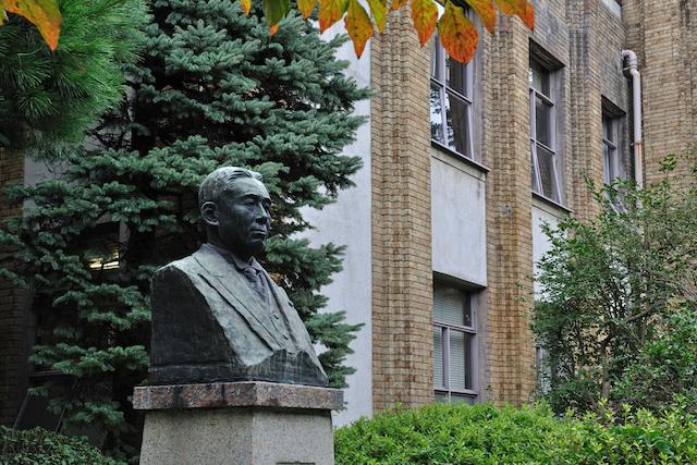 原敬の銅像