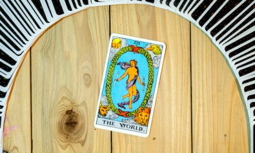 世界のカード正位置