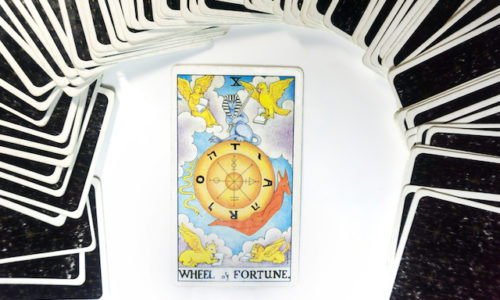 運命の輪のカード正位置