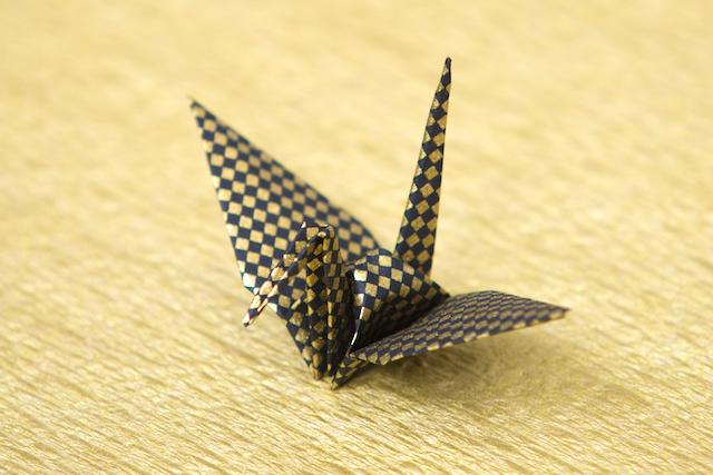 市松模様の折り鶴
